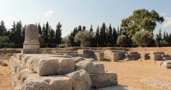 Il tempio di Afrodite davanti al mare, l'origine di Locri Epizefiri e le cose di un altro mondo
