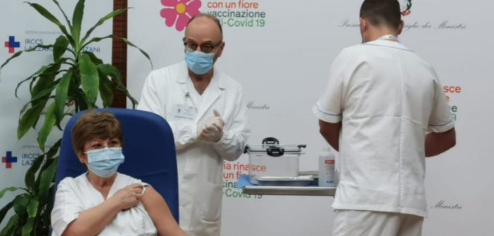 Vaccini e lotta al Covid: sconfiggere la pandemia rispettando la Costituzione