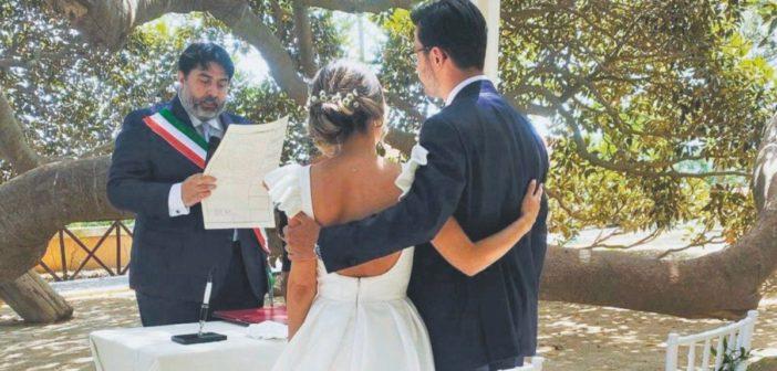 La Sardegna brucia e Christian Solinas celebra matrimoni: guardare per credere